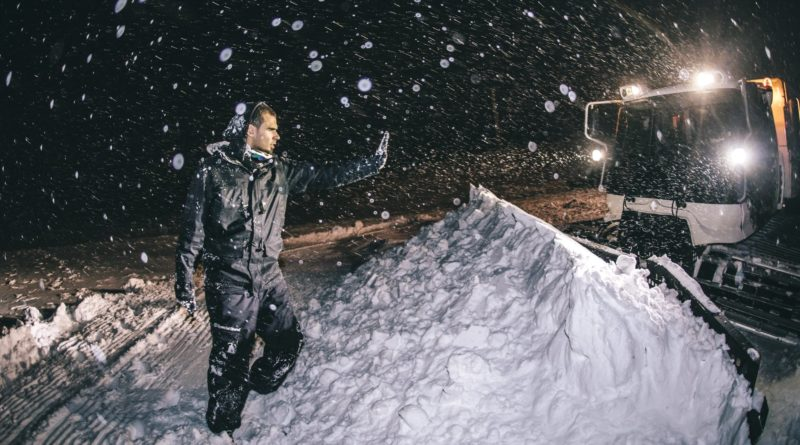 Afrojack stuck in snow