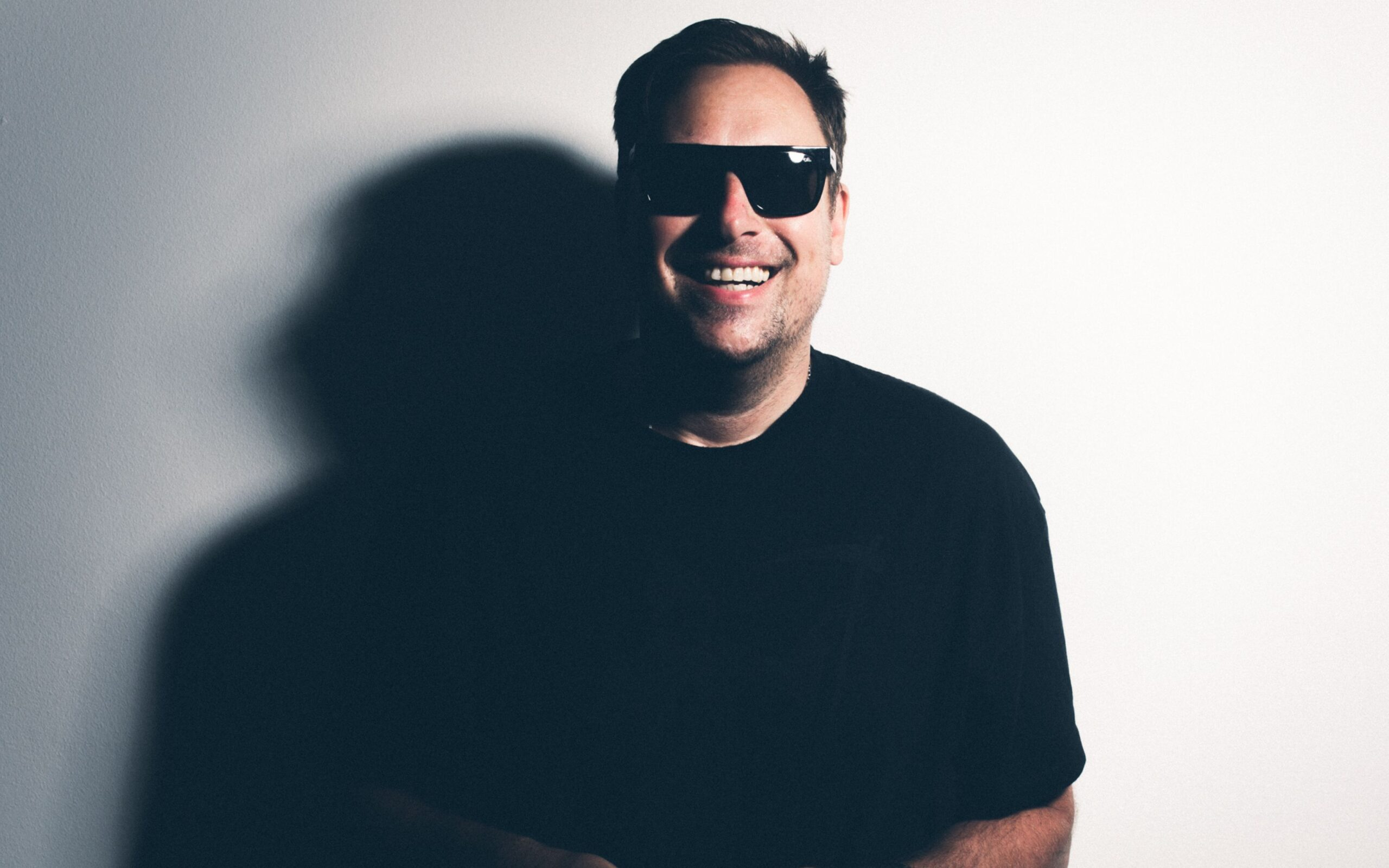 [INTERVIEW] UMEK ABOUT VIBERATE, HIS FAVORITE VSTS AND TECHNO MEMES!