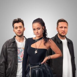 VIZE & ANNA GREY RELEASE MUSIC VIDEO FOR  'WAY BACK HOME'